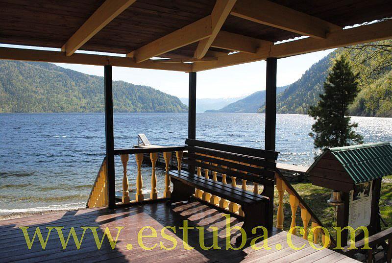 Зеркало озера располагается на абсолютной высоте 436 м базы отдыха на телецком озере принимают гостей круглый год