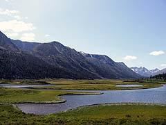 Конный поход на плато Укок : Разлив реки Кара-Алаха (Караалаха)