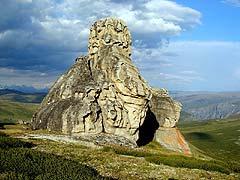 Конный поход на плато Укок : Скалы в урочище Чокпартас