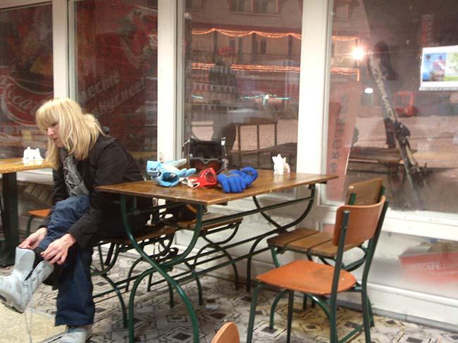 Алтай, город-курорт Белокуриха : В кафе около горнолыжной трассы Катунь.  Фото: TURISTKA.RU Декабрь 2008.
