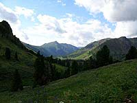Горный Алтай : Поход от Чемала до Телецкого (лето 2007) : Вид назад на медвежий Аксазкан