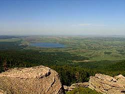 Алтайский край : Гора Синюха около озера Белого : Вид на озеро Белое с вершины Синюхи