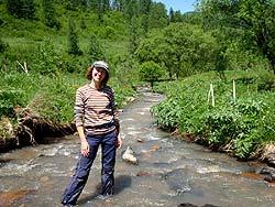 Горный Алтай : Велопоход «Два Алтая» : Приятно охладить ноги в реке!